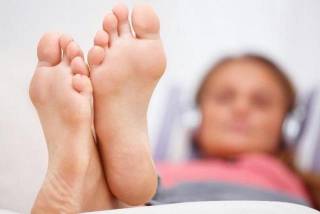 подошвенная бородавка симптомы и лечение