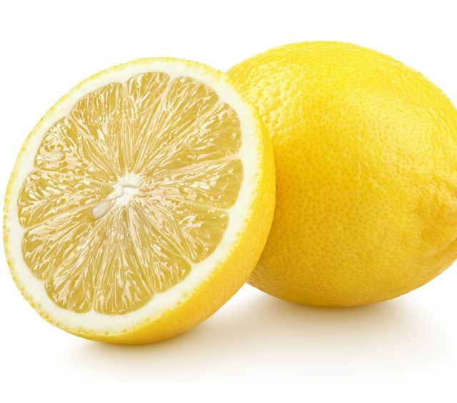 Лимон для приготовления примочки от папиллом под мышкой