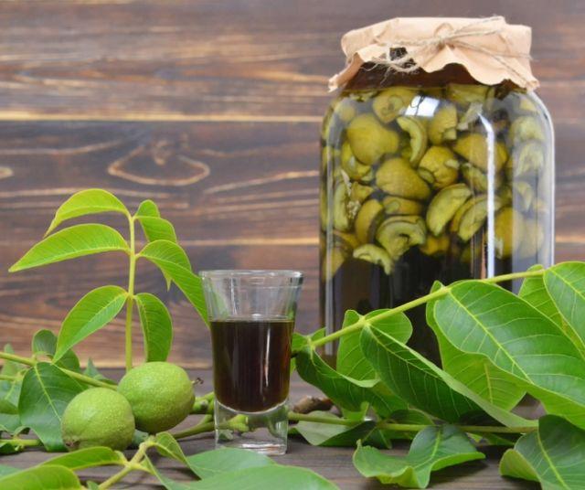 Настойка грецкого ореха от папиллом под мышкой