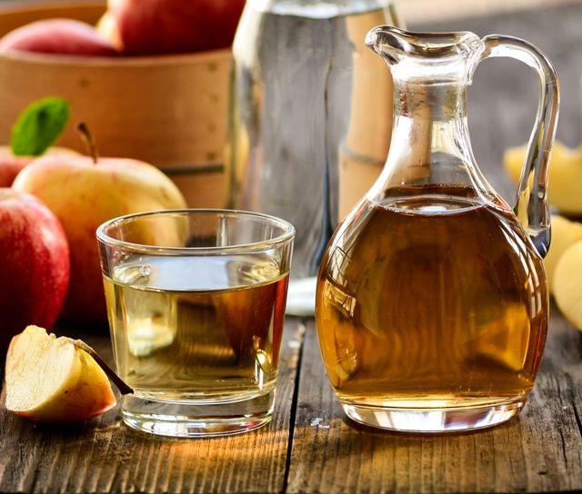 Можно ли папилломы лечить и прижигать яблочным уксусом?