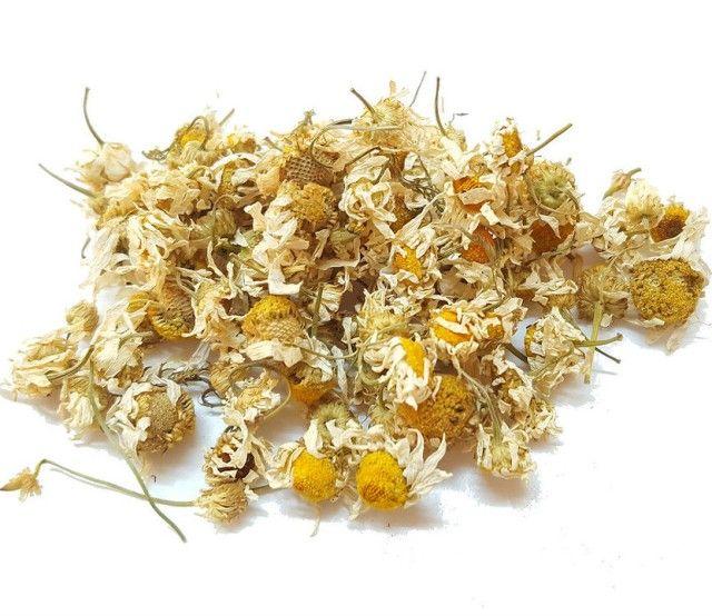 Цветки ромашки для приготовления отвара от бородавок на спине