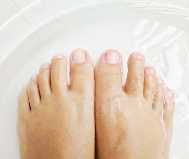 Ванночка с пищевой содой от подошвенных бородавок